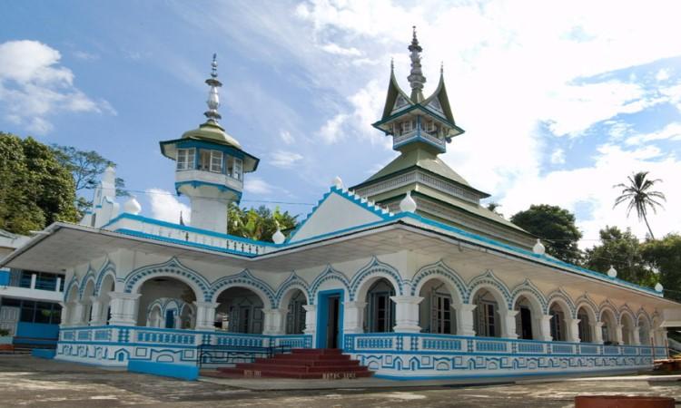 Masjid Raya Rao – Rao via Wikipedia