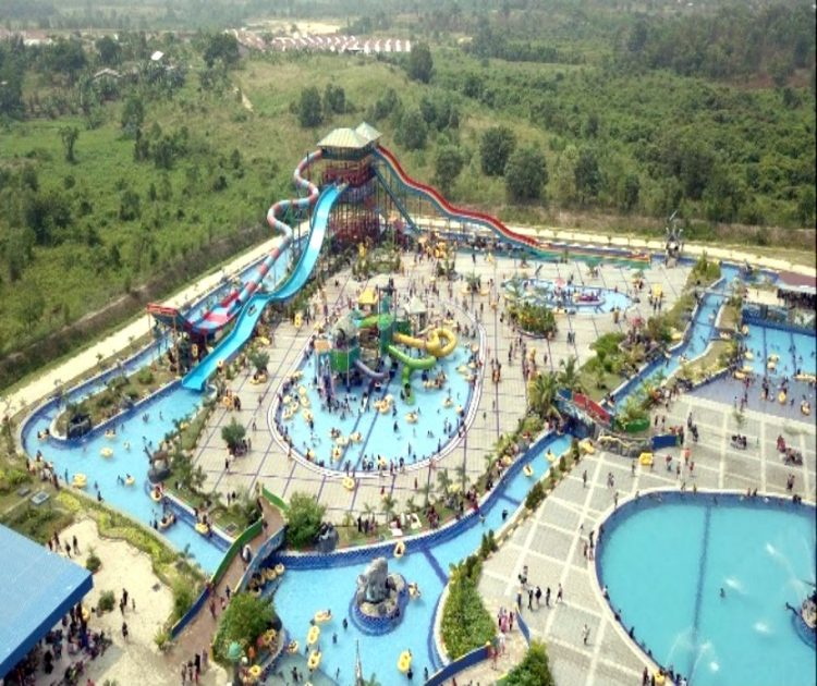 Harationica Water Park via Riaurealita