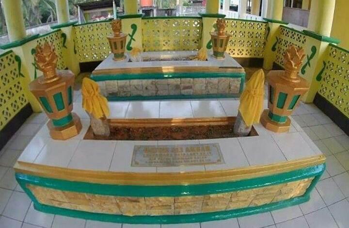 Makam Datuk Laksamana Raja Dilaut via Ig @erick_laksamana27