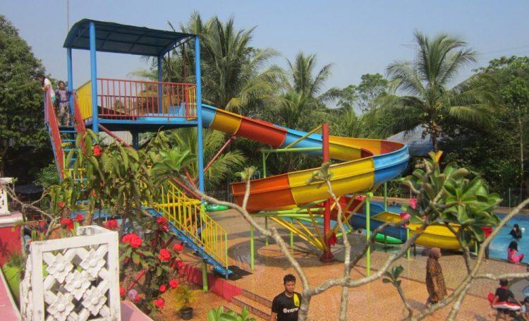 Taman Wisata Pasir Putih via Dkt-travelers.blogspotcom