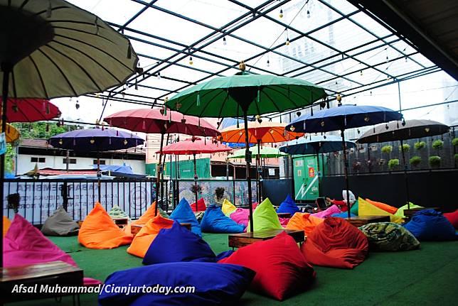 Acakadut Cafe via CIanjurtoday