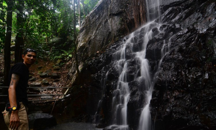 Air Terjun Gunung Bintan via Pesona Travel