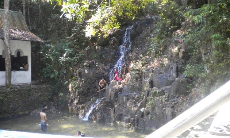Air Terjun Pongkar via Djangki.wordpresscom