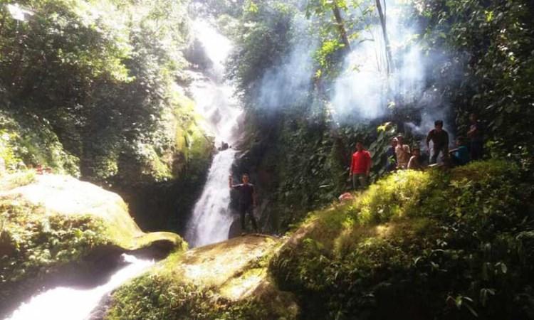 Air Terjun Tujuh Tingkat via Indopos