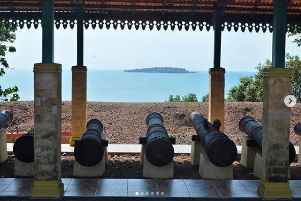 Benteng Bukit Cening via IG @dewantodewa