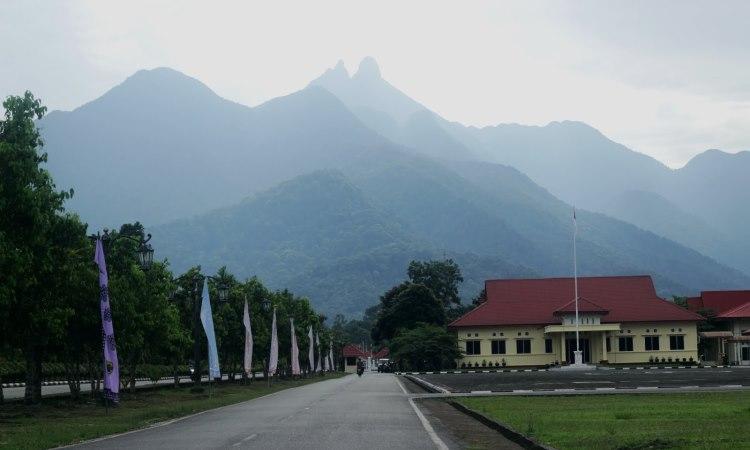 Gunung Daik via Bestahumendala.blogspotcom