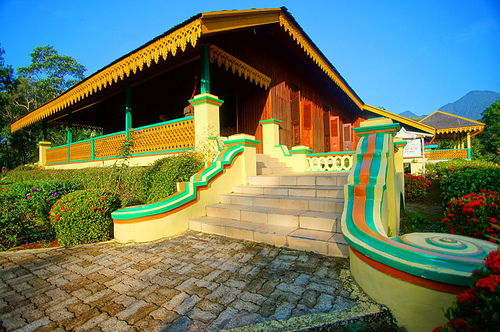 Istana Damnah via Kemendikbud