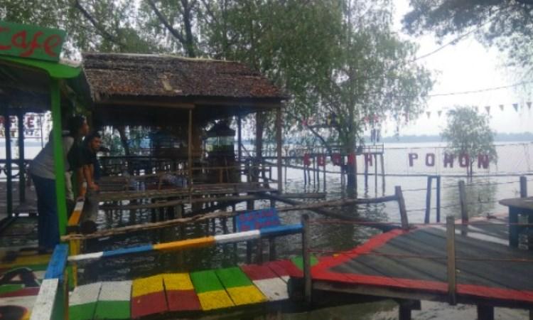 Kampung Laut via Viva
