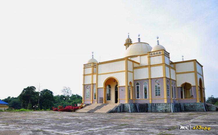 Kawasan Perkantoran Bupati dan Masjid Agung Nur Addarojat via Aksipost - Tempat Wisata Di Tanjung Jabung Timur