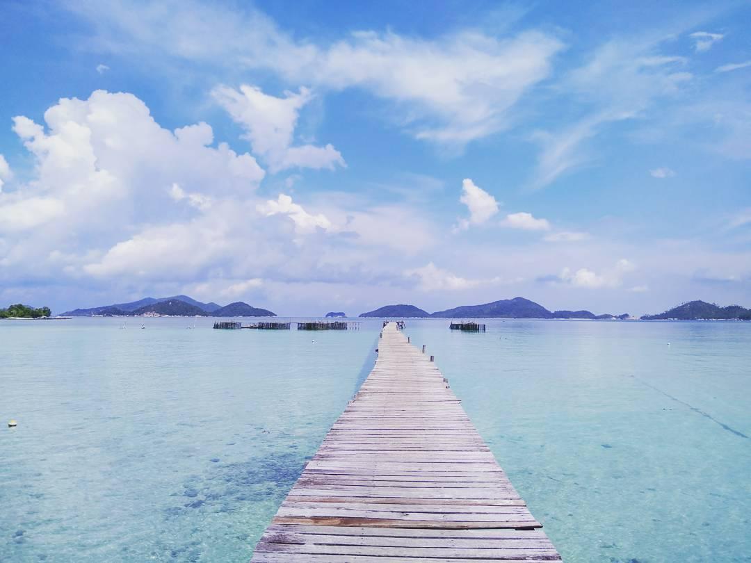 Pantai Kusik via IG @akbarguntara