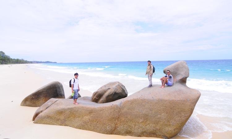 Pantai Senggiling via Robbihafzan.wordpresscom