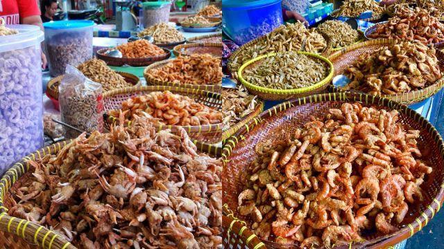 Pasar Ikan Pangandaran via IG @pritha_pitha, @riansiayu