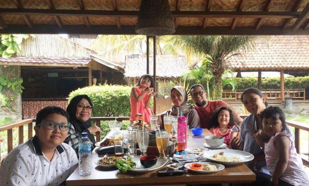 Pujasega Bale Tingtrim via I@ @anna.yuliana - tempat makan di Garut