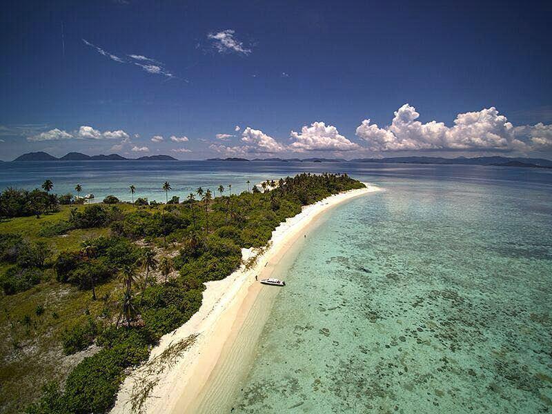 Pulau Mengkian Panjang via iG @wisata_anambas - tempat wisata di Kepulauan Anambas