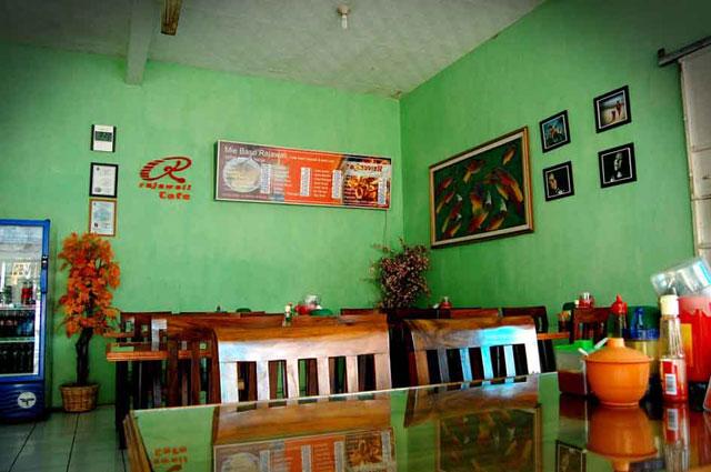 Rajawali Seafood dan Mie Bakso Banjar