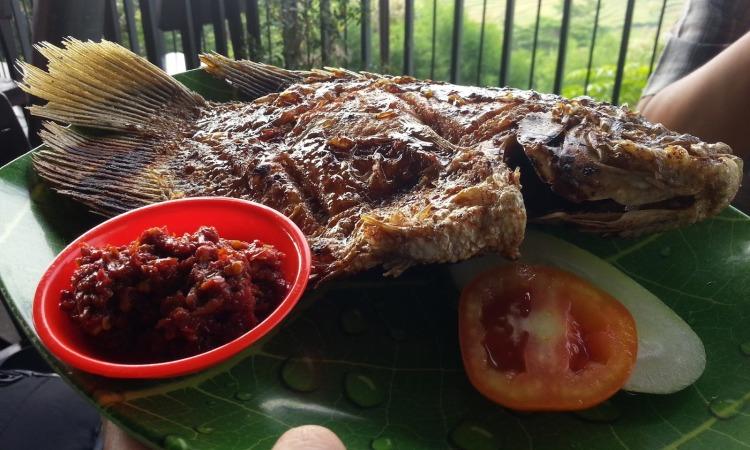 Restoran Klapa Manis via Ratnanene.blogspotcom