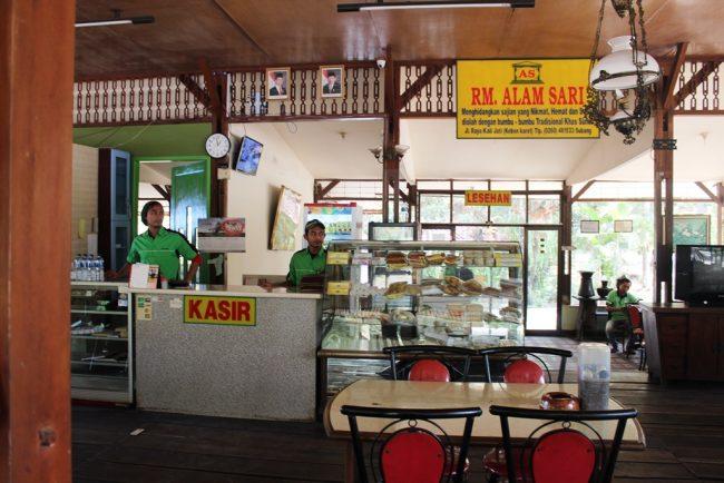 Rumah Makan Alam Sari via Pasundanekspress