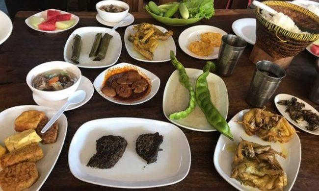 Rumah Makan Ibu Haji Ciganea via Tripadvisor