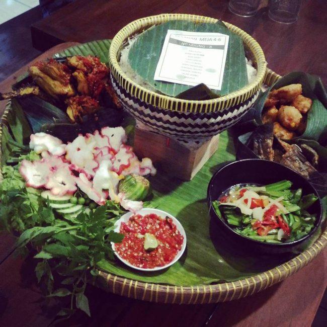 Rumah Makan Saung Teko via IG @gsnhijab.id