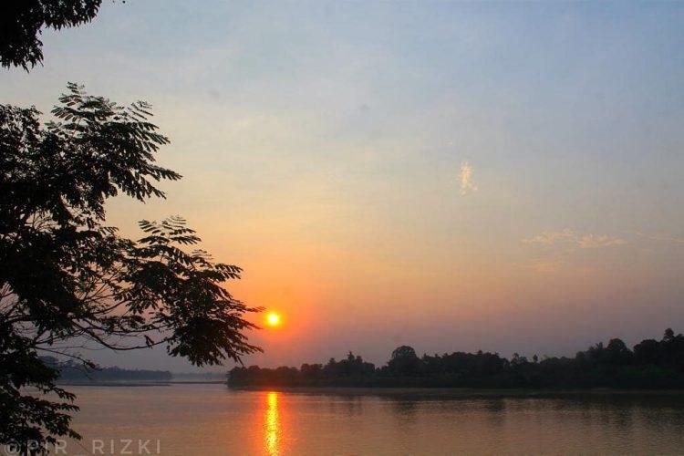 Sungai Batanghari via IG @amateurphotografy