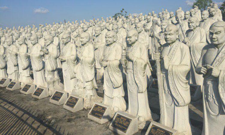 Vihara Patung 1000 Wajah via Google Maps
