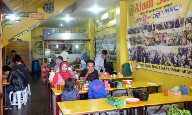 Warung Nasi Alam Sunda via Myeatandtravelstory.wordpresscom