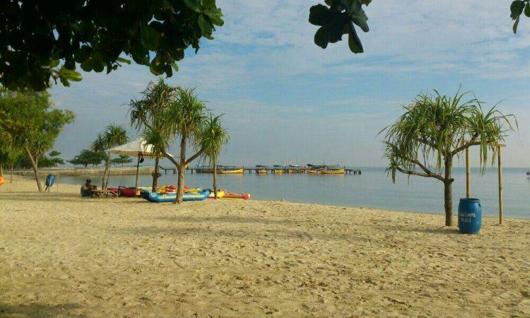 Pantai Bandengan via Limakaki