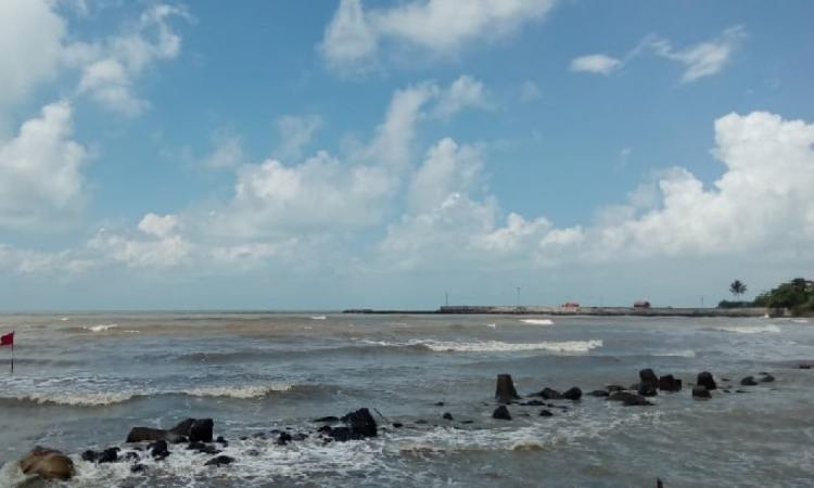 Pantai Eretan Wetan