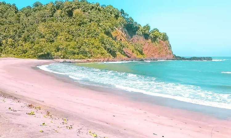 Pantai Kali Kencana via FB Cilacapzone.id
