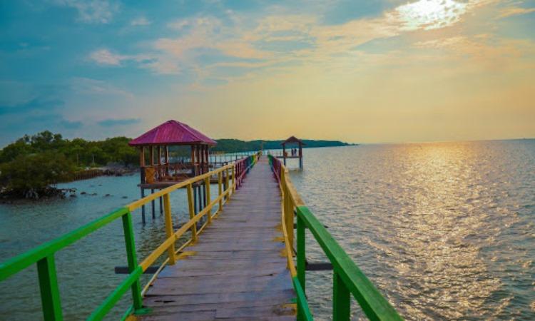 Pantai Kutang via Google Maps