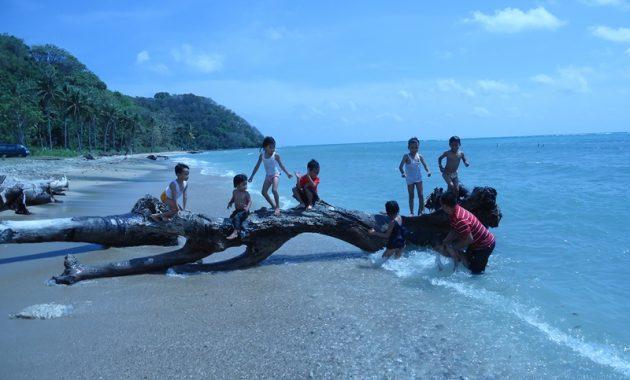 Pantai Mayangkara via Lelungan