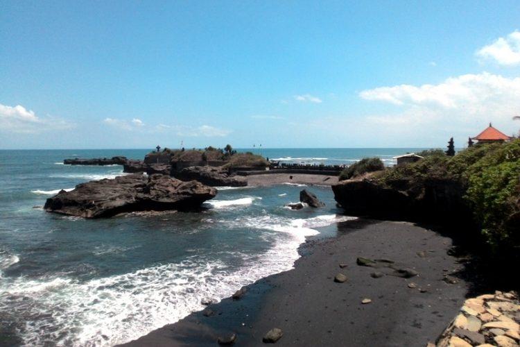 Pantai Mengening