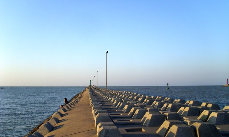 Pantai PLTU Sumur Adem via Mapio