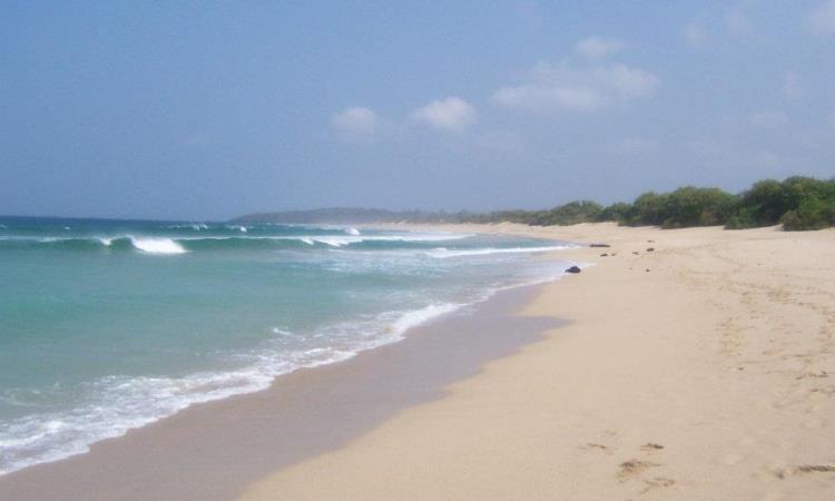 Pantai Pangumbahan via Iinsquall.wordpresscom