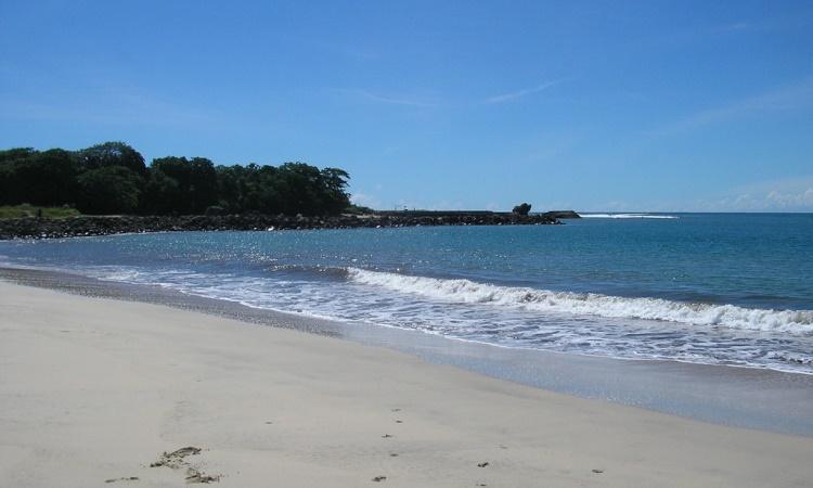Pantai Santolo via Wikipedia