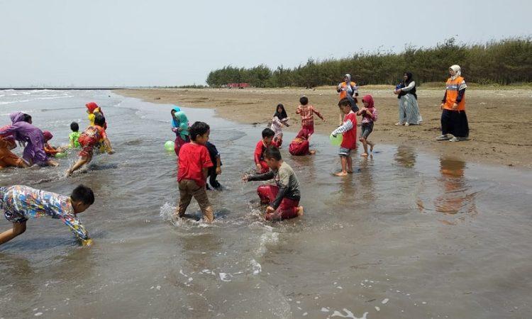 Pantai Waruduwur via Republika