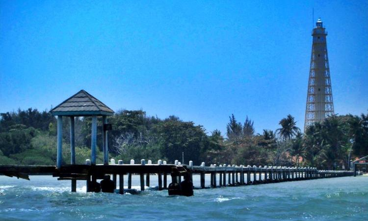 Pulau Biawak via infocirebon