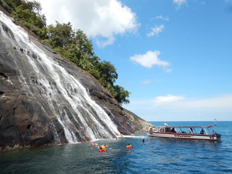 Pulau Mursala via FB