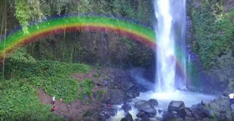 Air Terjun Lembah Pelangi via Liburanlampung.blogspotcom