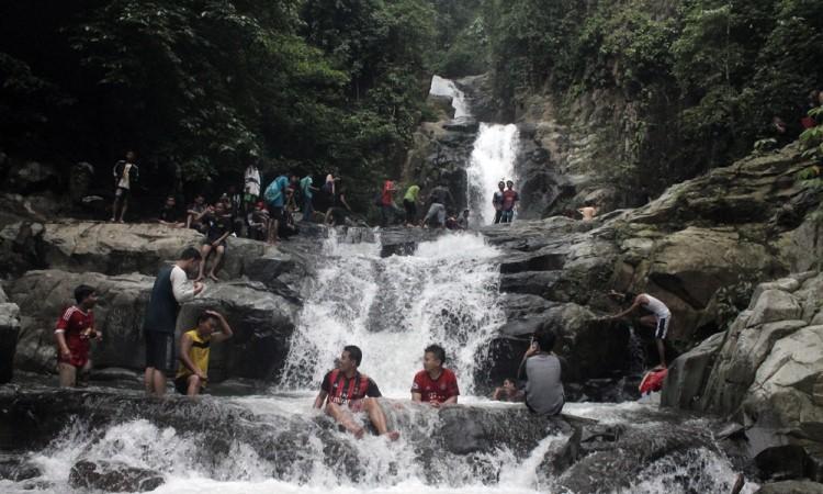 Curug Cilalay via Waterfalladventurebekasi.blogspotcom
