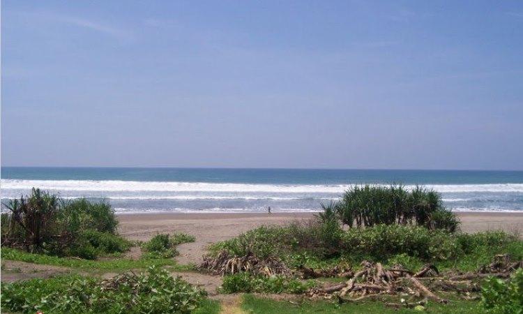 Pantai Agrabinta via Rendisaepulanwar.wordpresscom