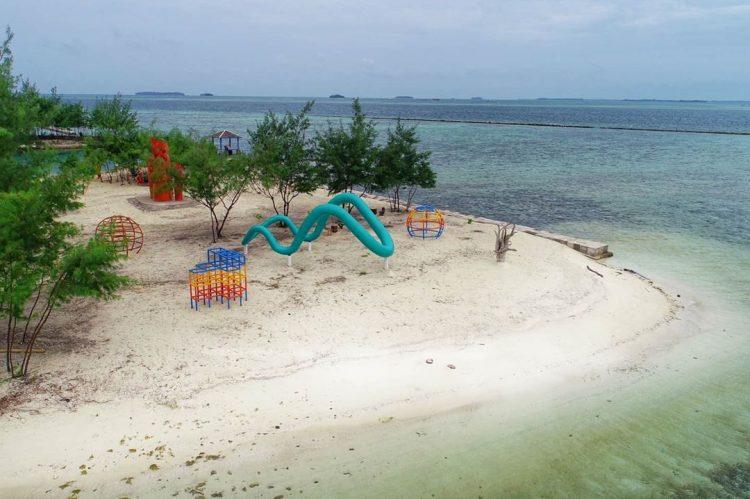 Pantai Cikaya, Pulau Karya Kepulauan Seribu