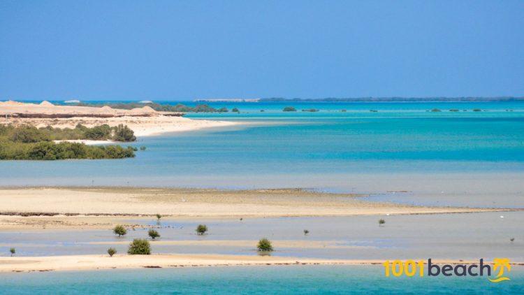 Pantai Farasan Al Kabir via 1001beach