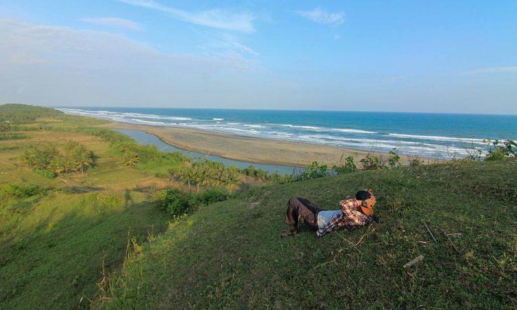 Pantai Lugina via Jurnalcianjurselatan.blogspotcom