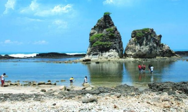 Pantai Mekar via Bandoeng