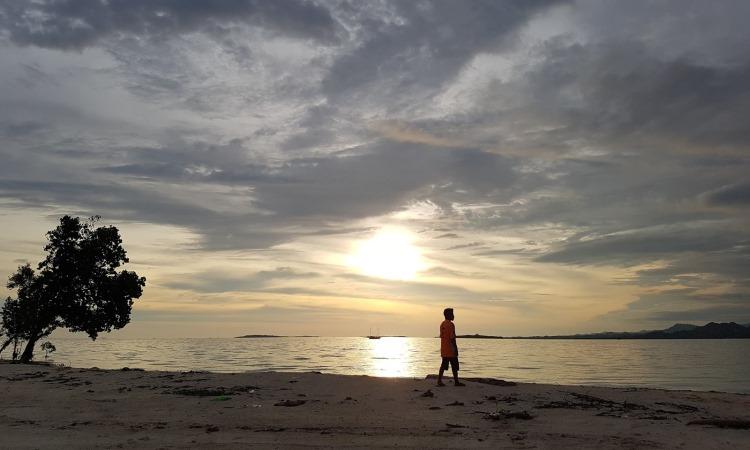 Pantai Mohupomba via Devvyahya.blogspot