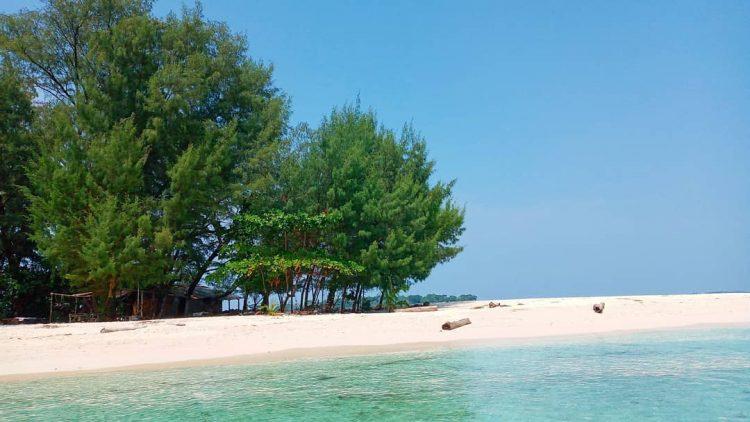Pantai Pulau Perak Foto by Ahmed Mey Giok Dewantara Nur