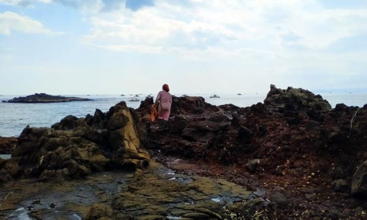 Pantai Sarongge via Sukabumiupdate