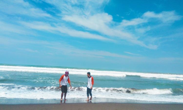 Pantai Sindangbarang via Yanssupriyatna.blogspotcom