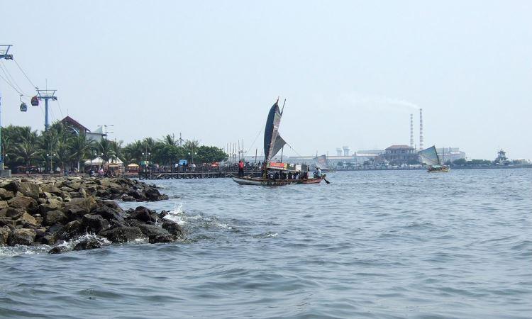 Teluk Jakarta via Wikipedia